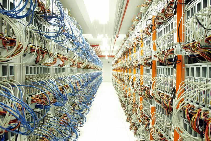 Wo die vielen Daten wohnen: Innenansicht eines Rechenzentrums (Foto: 1&1 Internet AG, flickr.com, CC-BY 2.0)