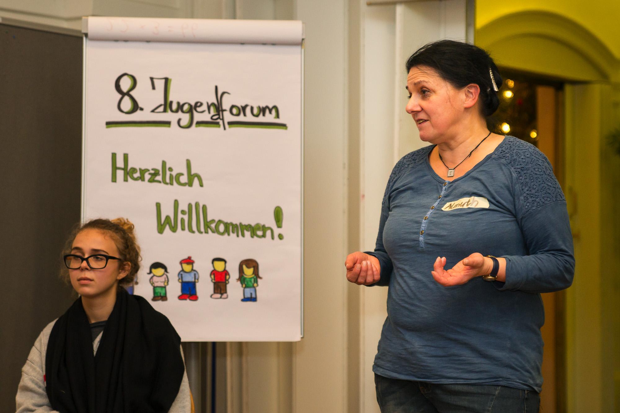 po_Blog_Jugendforum_BildimText_Eröffnung_(c)BenediktBungarten-2