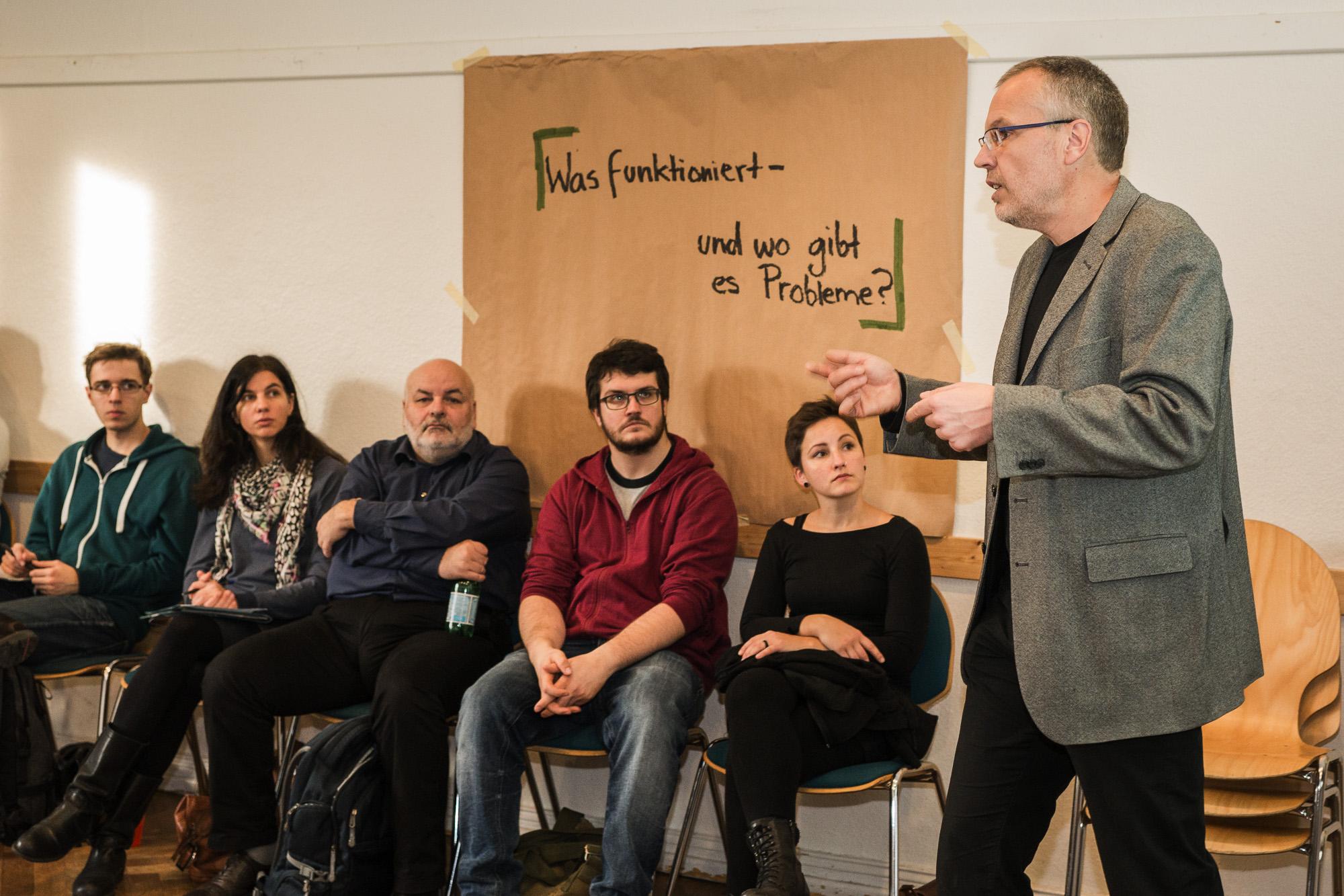 Beim Jugendforum Stadtentwicklung stellte Jörg Bindheim die aktuelle Lage Potsdams vor. (Foto: Benedikt Bungarten)