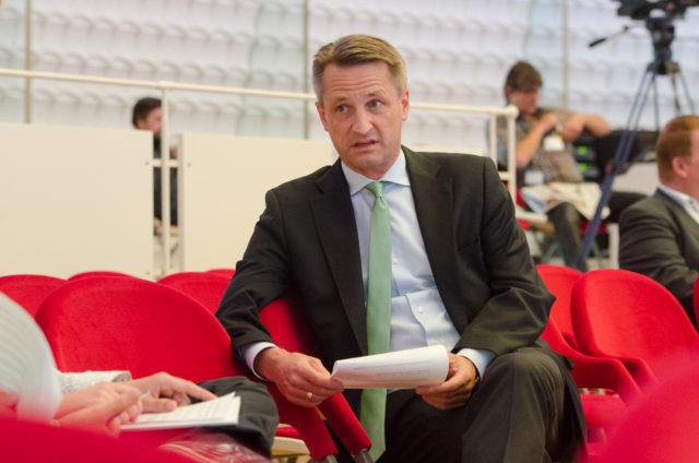 Nikolaus Blome teilt als gestandener Journalist seine Ansichten und Erfahrungen mit dem journalistischen Nachwuchs. Foto: Jonas Walzberg