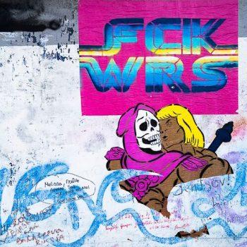 Ein Graffiti gegen Krieg.