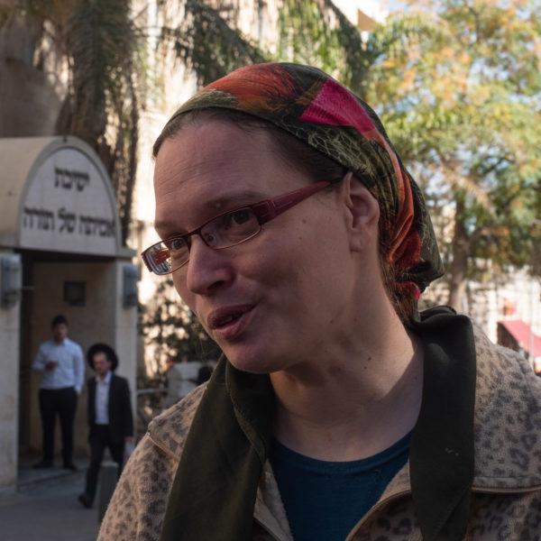Tzipi wears a colored headscarf
